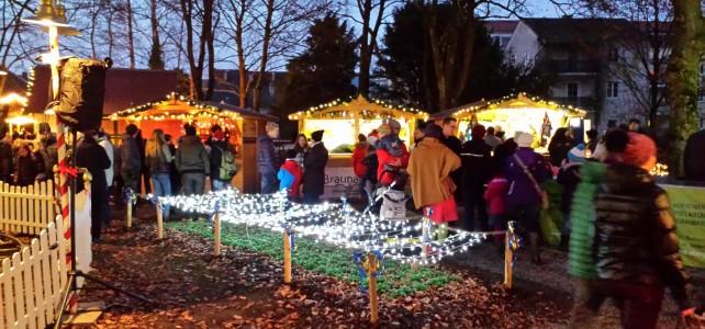 """""""Braunau mobil"""" auf dem Braunauer Christkindlmarkt 2016"""